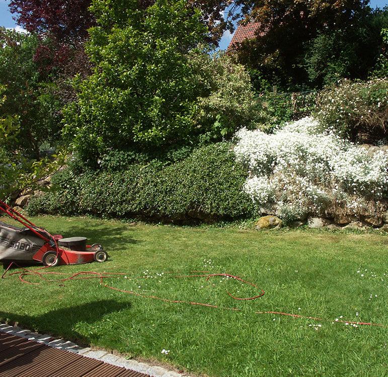 Gartenpflege - wir pflegen Ihren Rasen